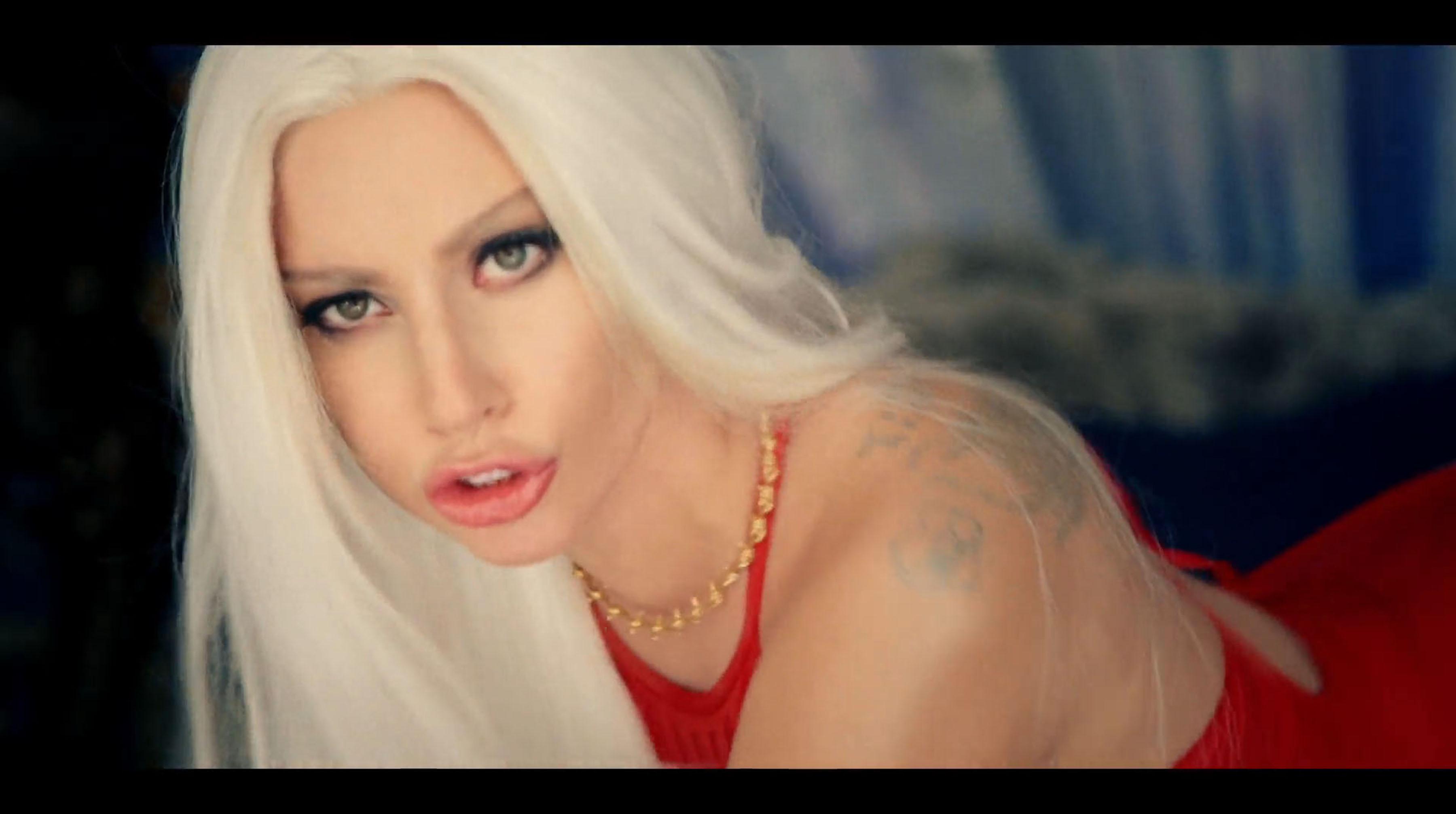 Lady Gaga Guy Music Video Makeup Tutorial  Beausic-9341
